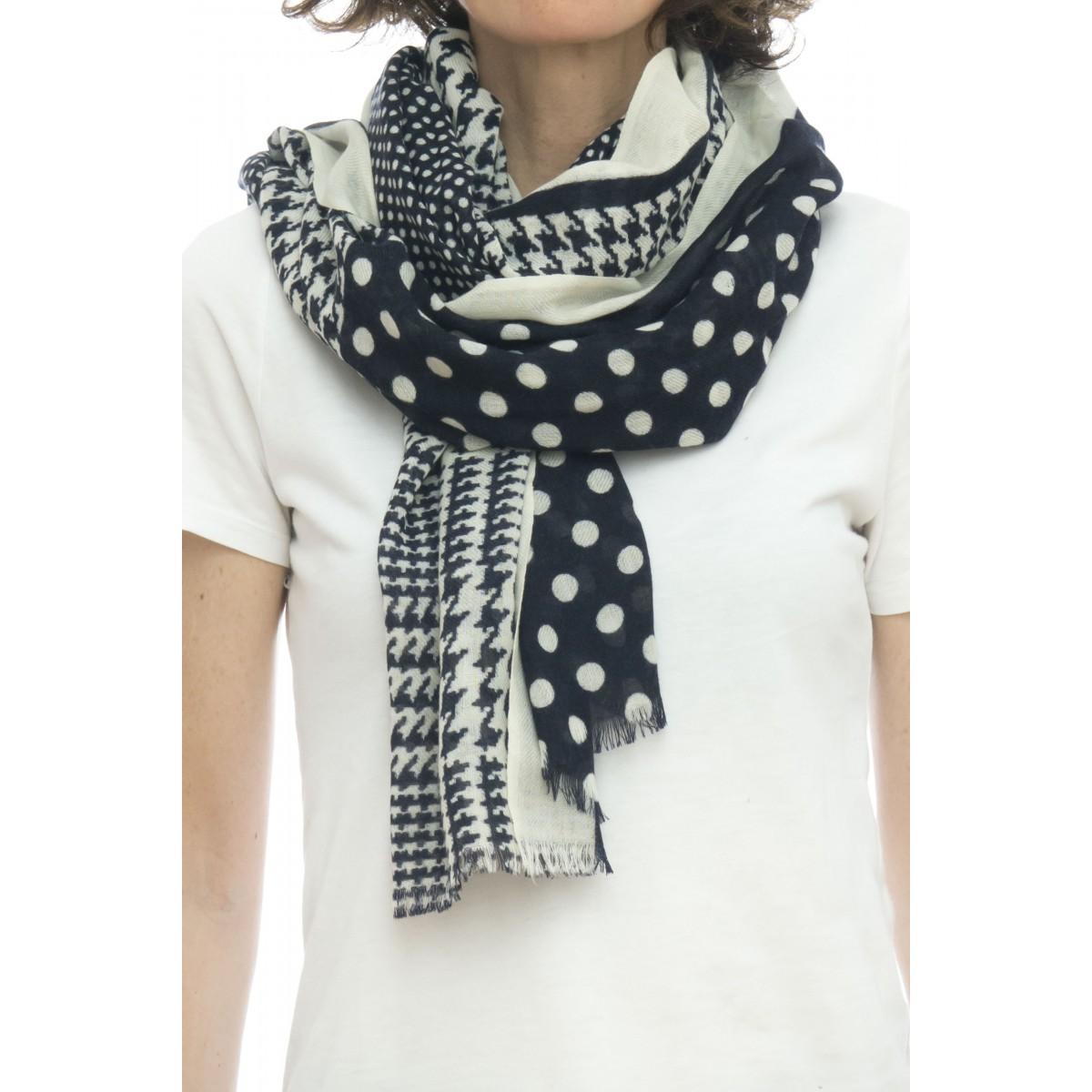 Sciarpa - Rosa 4535  100% lana ,  70 x 180