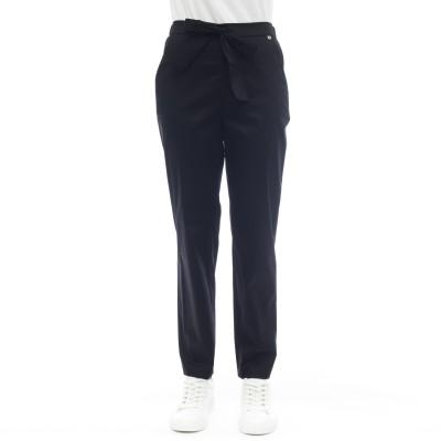 女性のズボン-Njanuのズボン