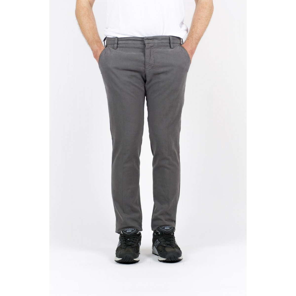 Trousers Entre Amis Man - A15 8201 302 - Grigio