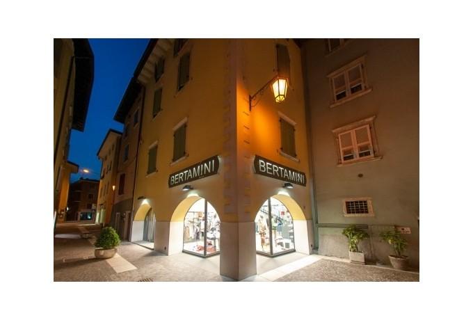 Piazza Goethe お店